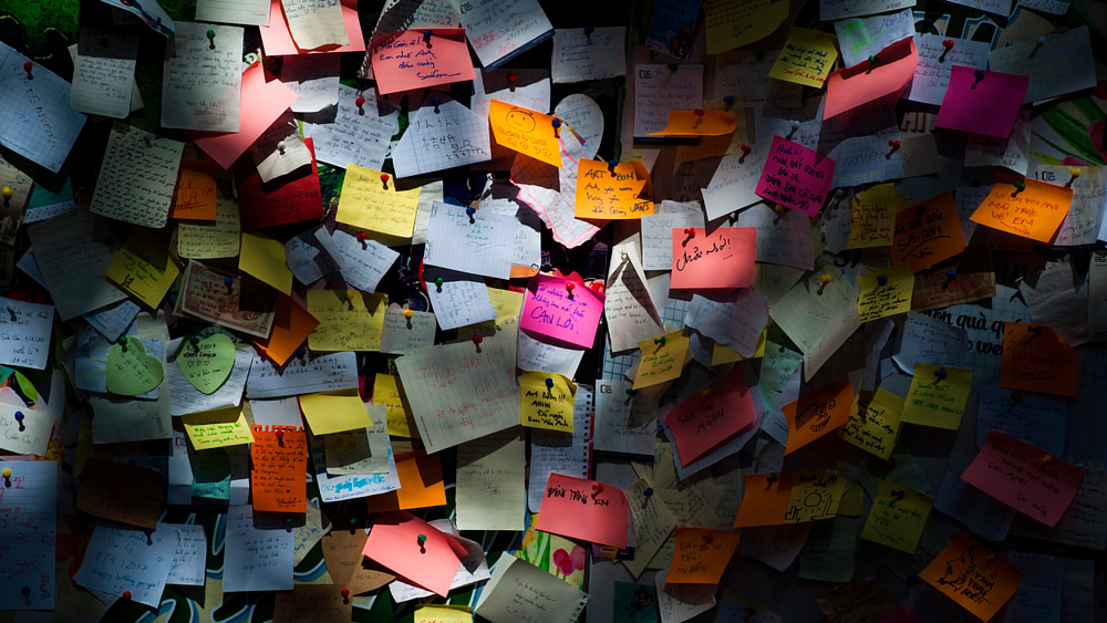 Sticky note lot